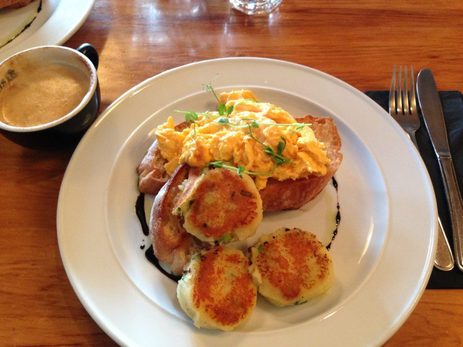 Relishes Cafe Wanaka things to do eat food travel blog
