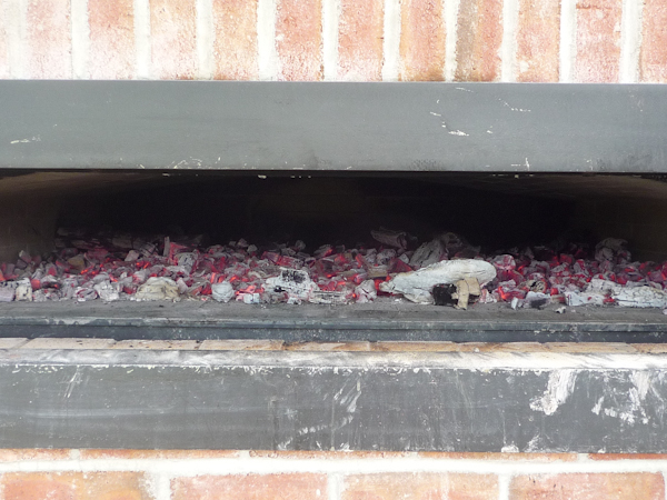 Coals spread at the end of firing.