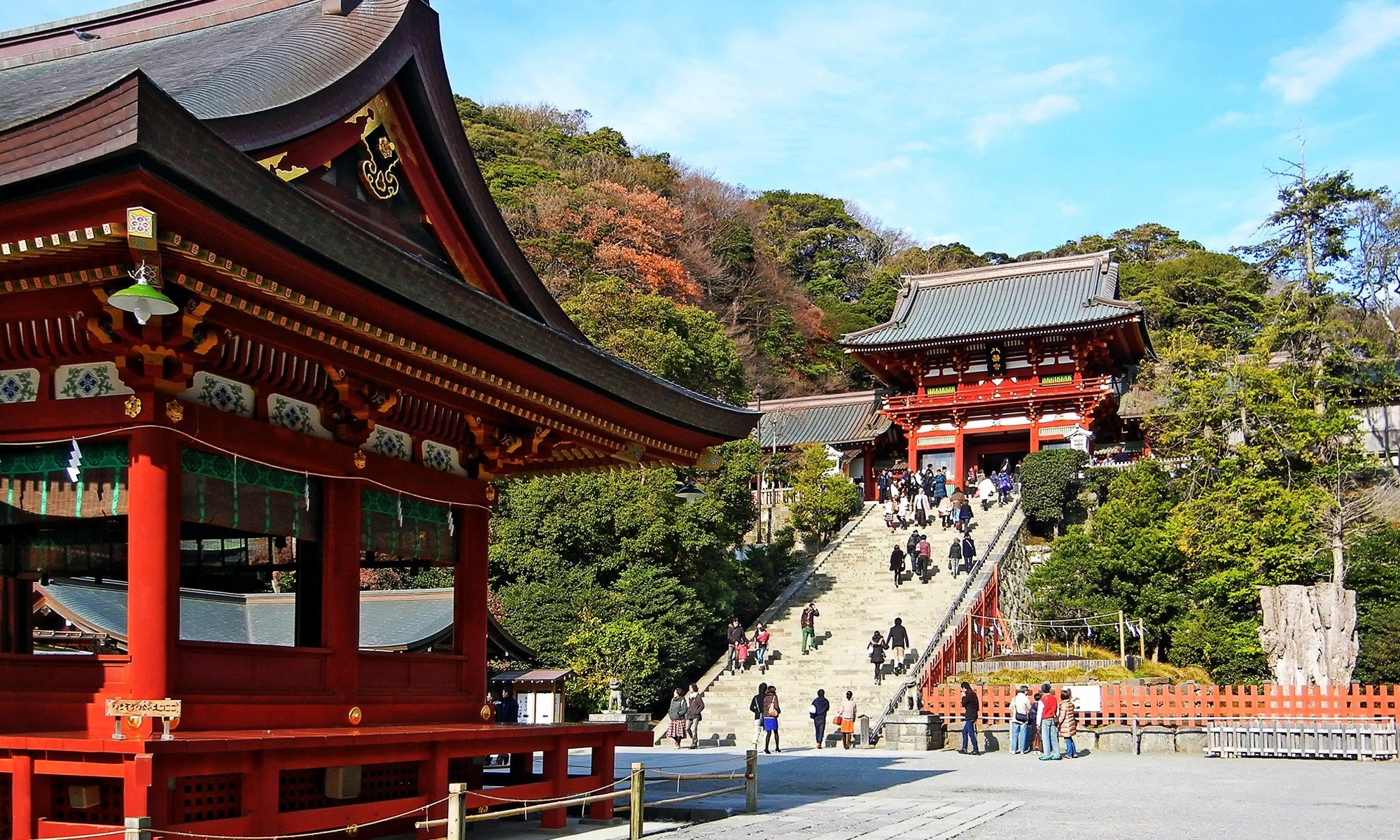 Take a day trip from Tokyo to Enoshima and Kamakura, where you can eat shirasu (raw baby fish), take a stroll around the beautiful parks, see the Great Buddha or Daibutsu, ride a monorail, and enjoy views of the sea.