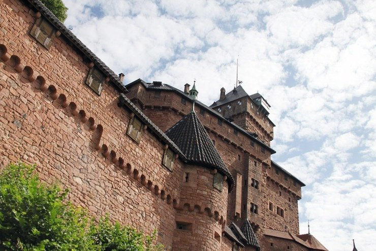 If you're driving from Colmar to Strasbourg, a great stopover is the medieval Haut-Koenigsbourg, a historical chateau that has changed hands from royal families to robber barons to invading troops throughout the centuries. Read more for a comprehensive guide to driving in Alsace.