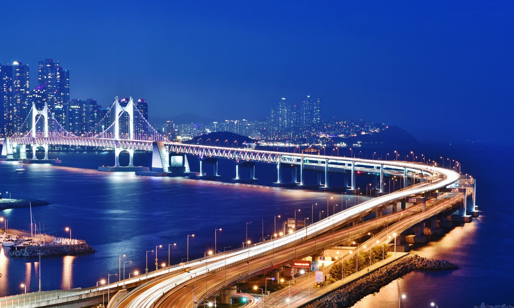 Home to gorgeous white sand beaches, breathtaking coastline views, and majestic mountains, Busan is the perfect destination to kick back and enjoy the view. Find your ideal base with this quick and easy guide on where to stay in Busan.
