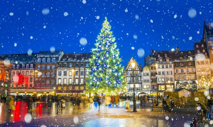 December transforms Strasbourg into a living Christmas snow globe. Catch the holiday fever and indulge in mulled wine, gingerbread, and all the magical things we love about Christmas. Just one of the fantastic things to do in Alsace!