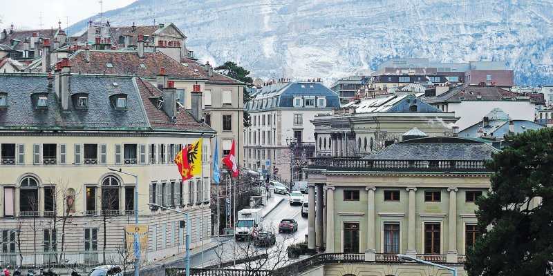 Breathtaking alpine views, luxury shops, and a lot of chocolate and fondue – these are all the things waiting for you at Geneva, Switzerland. Whether you're here for business, leisure, or as a quick stopover on your way to the Alps, there's a lot to keep a city break here interesting. Here's where to stay in Geneva.