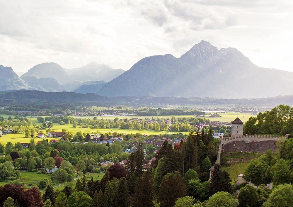 If you're looking for a relaxed and intimate holiday in Salzburg, stay in a residential area like Maxglan. You'll get to avoid the tourist crowds and experience a slice of local life. Here's a complete guide to the best hotels in Salzburg.