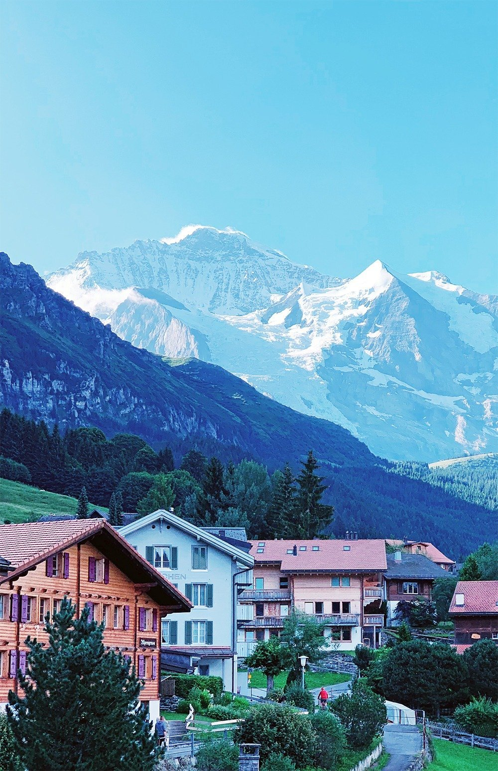 Majestic views, the crisp mountain air, and charming villages like Wengen and Mürren are what a trip to Switzerland's Jungfrau region is all about! Retreat to this peaceful Swiss mountaintop village and enjoy miles of panoramic hiking trails and stunning scenery. Here's where to stay in Jungfrau.