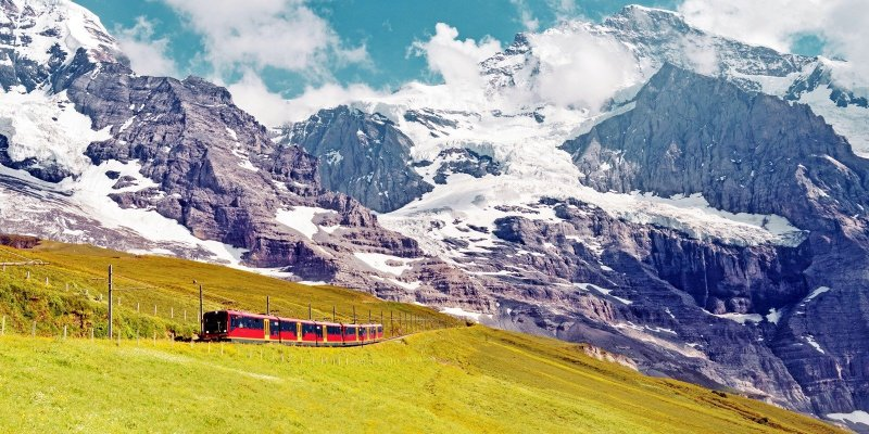 Enjoy the perfect little holiday in the Swiss Alps. Go on epic train rides for stunning views of majestic snow-capped peaks and dreamy alpine meadows, then unwind in cozy chalets and indulge in hearty cuisine. Here's how to plan a 5-day trip to Jungfrau, Switzerland.