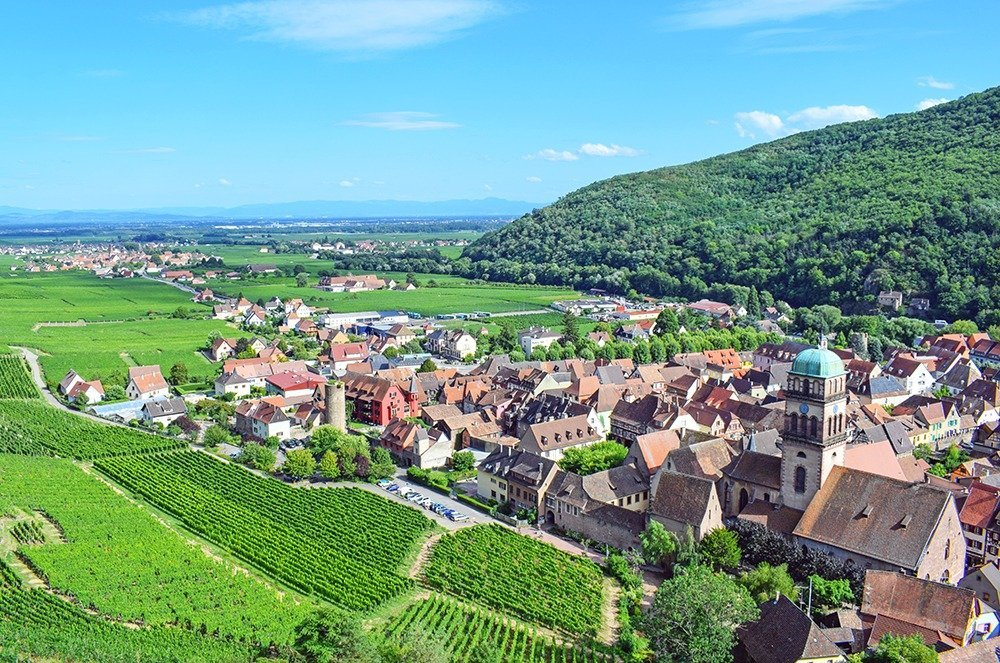 Kaysersberg is 2017's favorite French village and rightfully so! With medieval architecture, stunning viewpoints, and flowers everywhere, it's enough to charm anyone. Click through for a complete road trip guide to Alsace.