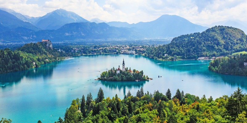 With plenty of amazing natural landscapes to explore, a slew of restaurants serving delicious Slovenian and international cuisine, and a long list of outdoor adventures and experiences to check out, a holiday in Lake Bled is one that's sure to be sweet and satisfying. Here are the best things to see and do in Lake Bled.