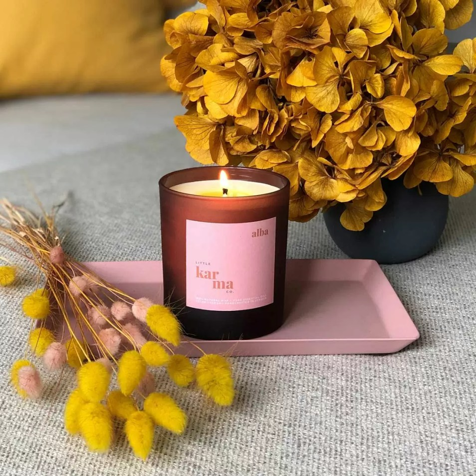 alba balancing bergamot and rose geranium large candle in matt finish glass