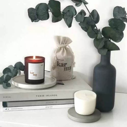 Sol midi refillable candle. Refillable midi scented candles with pure essential oils