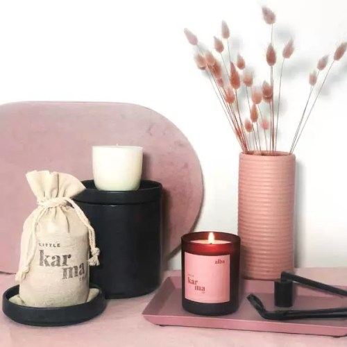 Alba midi refillable candle. Refillable midi scented candles with pure essential oils