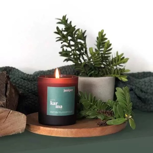 Juniper grounding refillable candle. This scented candle contains cedarwood essential oil