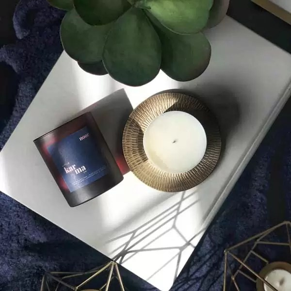 Noor midi refillable candle. Refillable midi scented candles with pure essential oils