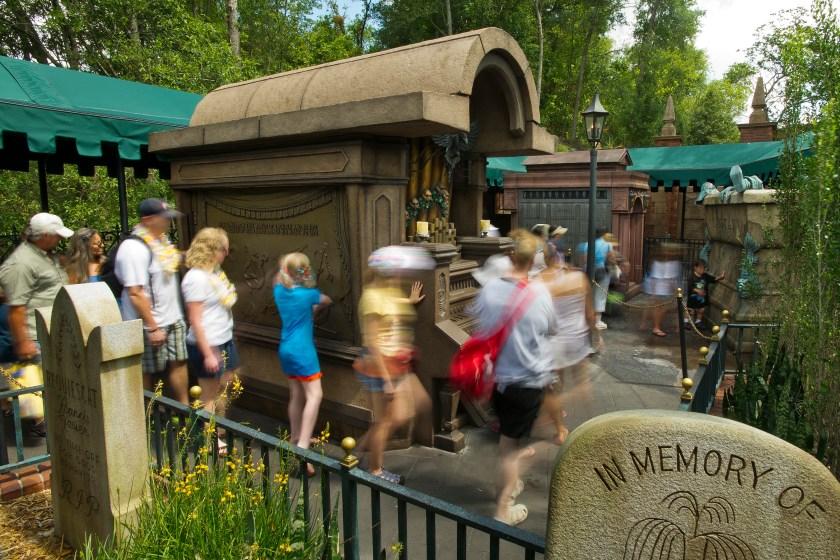 The Haunted wait time at Walt Disney World