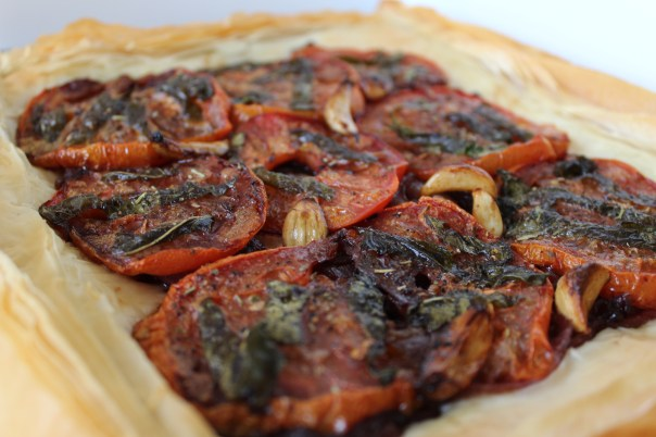 garlic, tomatoes, basil, phyllo dough, pizza, recipe, food, olive oil, low fat, healthy