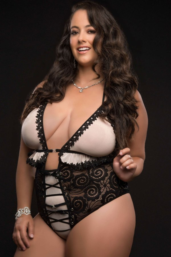 1pc Extravaganza Plunge Teddy With Open Crotch and Open Back - Queen Size - Black