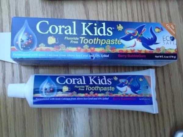 toxic free toothpaste