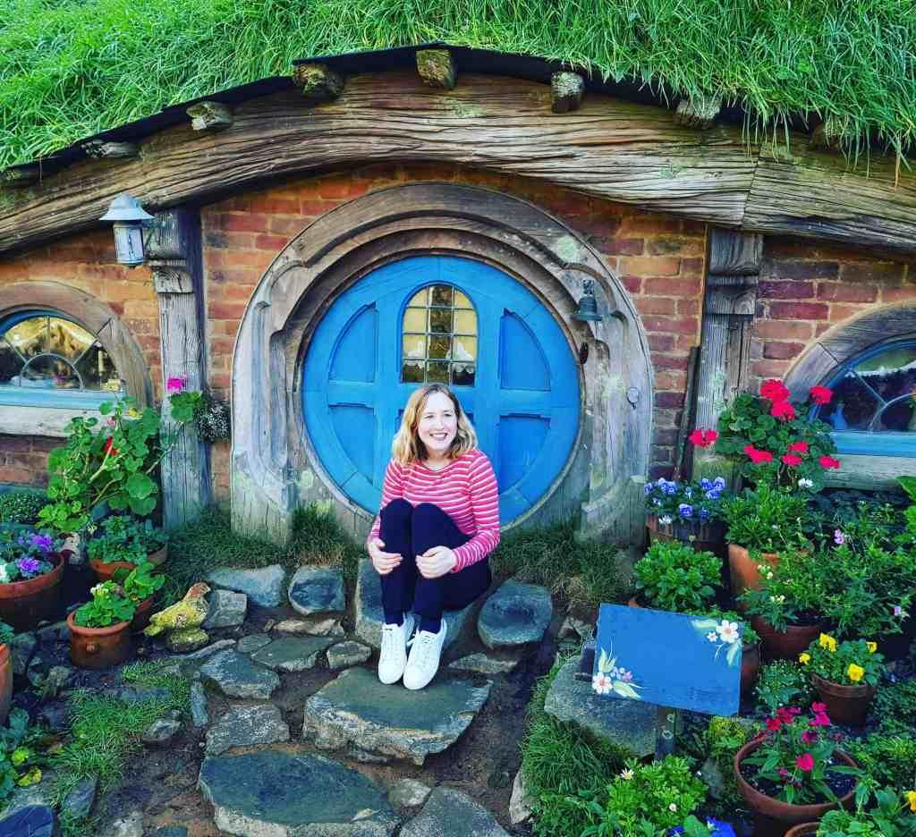 hobbiton hobbit hole with me
