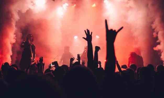 10 Ways to Experience Nightlife for Solo Travellers
