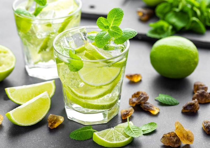 Classic Caipirinha cocktail recipes