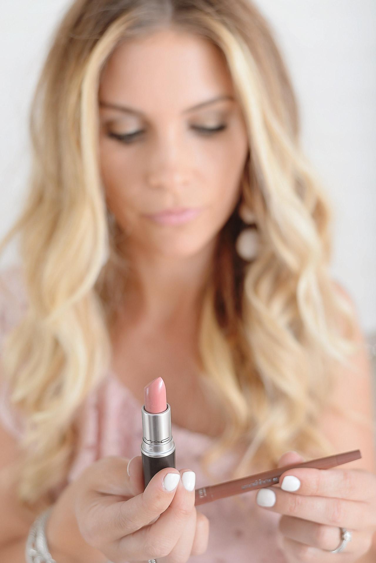 mac lipstick in creme