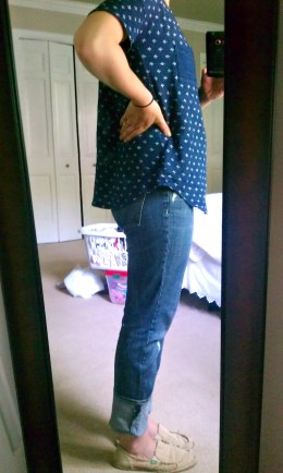 Spring outfit, navy t-shirt