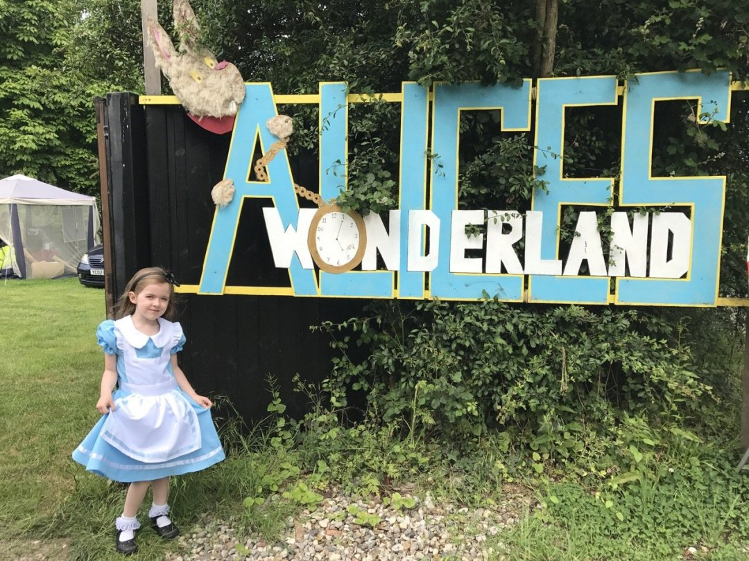 Morning in Wonderland Alice in wonderland