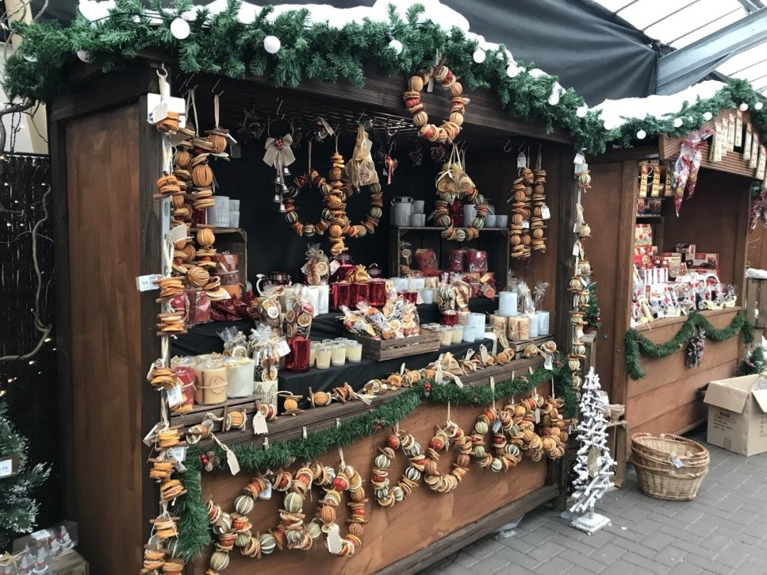 Christmas German Market in Essex - festive market stall with dried orange arrangements