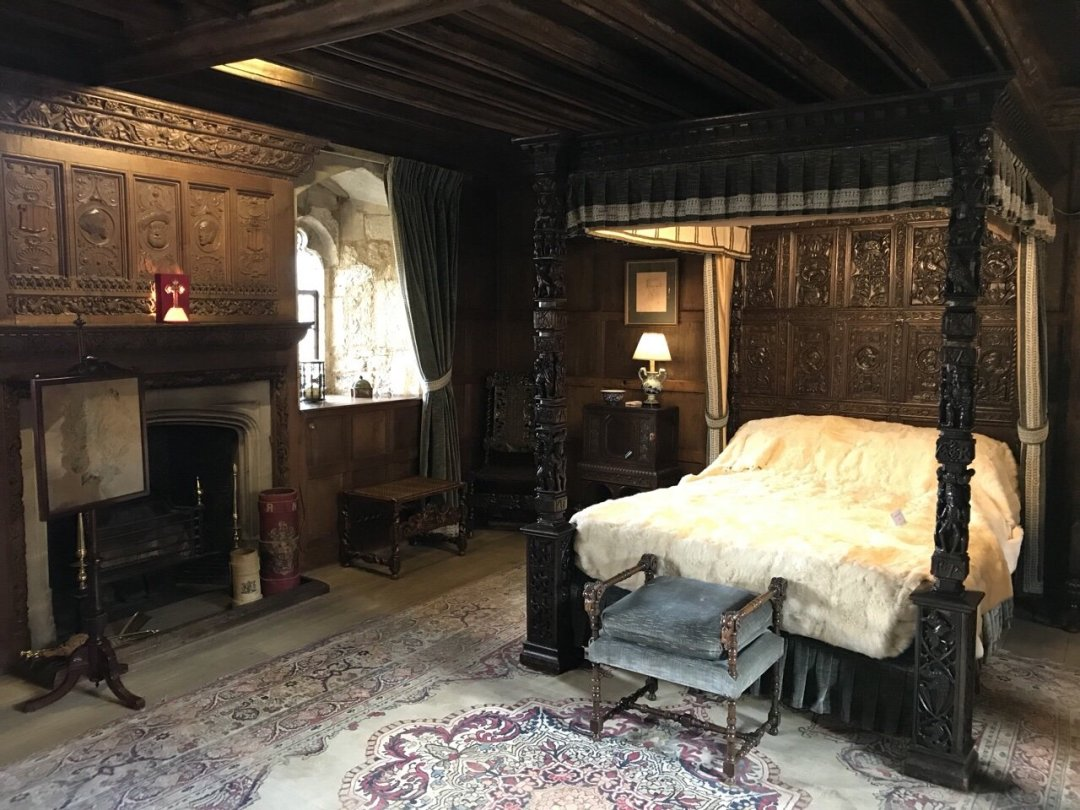 Kind Henry VIII's bedroom at Hever Castle