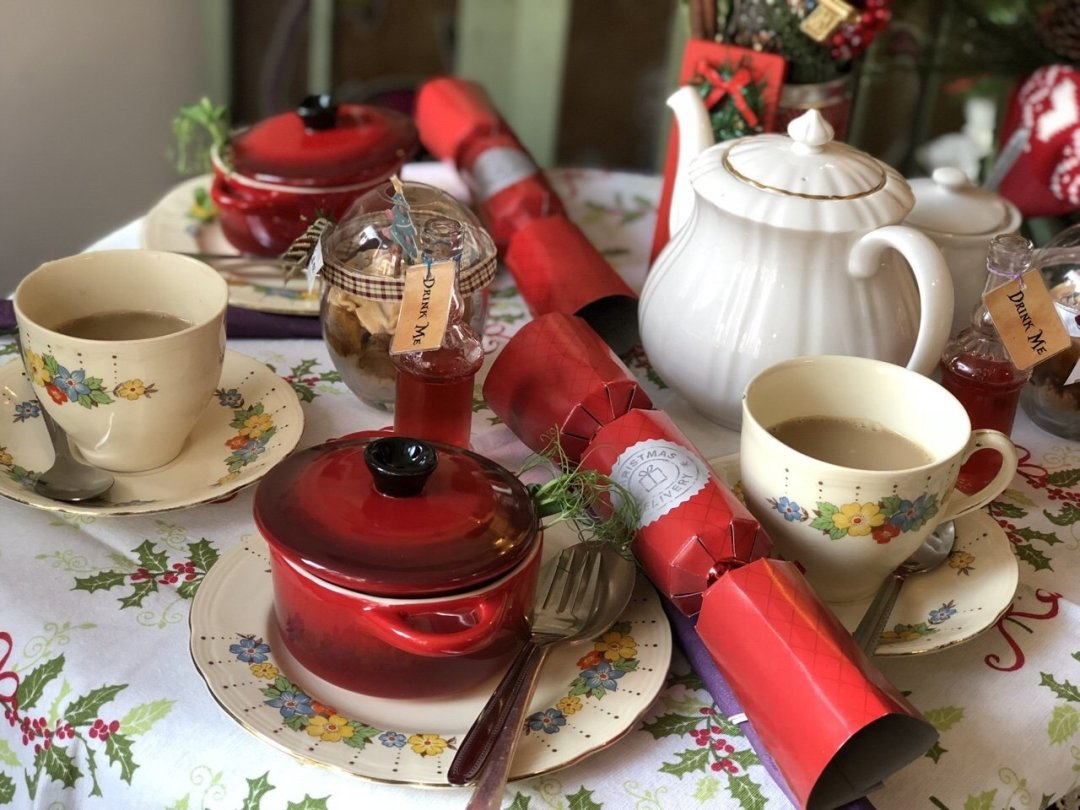 Christmas crackers and tea