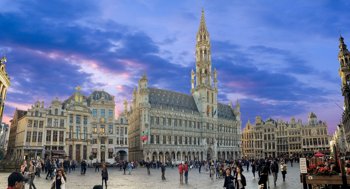 Grand Place | Wheelchair accessible Brussels | Little Miss Turtle