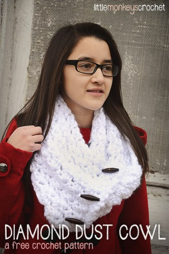 Diamond Dust Cowl | a free crochet pattern by Little Monkeys Crochet