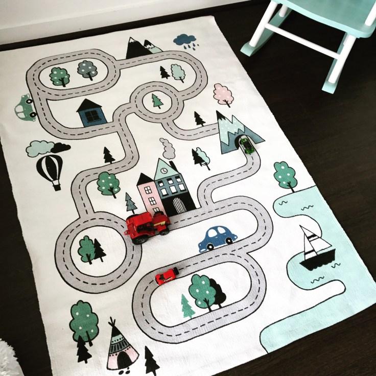 le tapis circuit de voiture