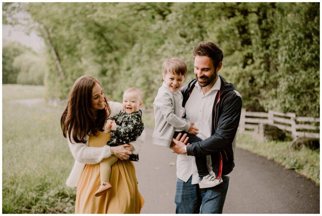photographe famille grenoble chambery lifestyle little one atelier bebe maternite seance photo lyon - 026