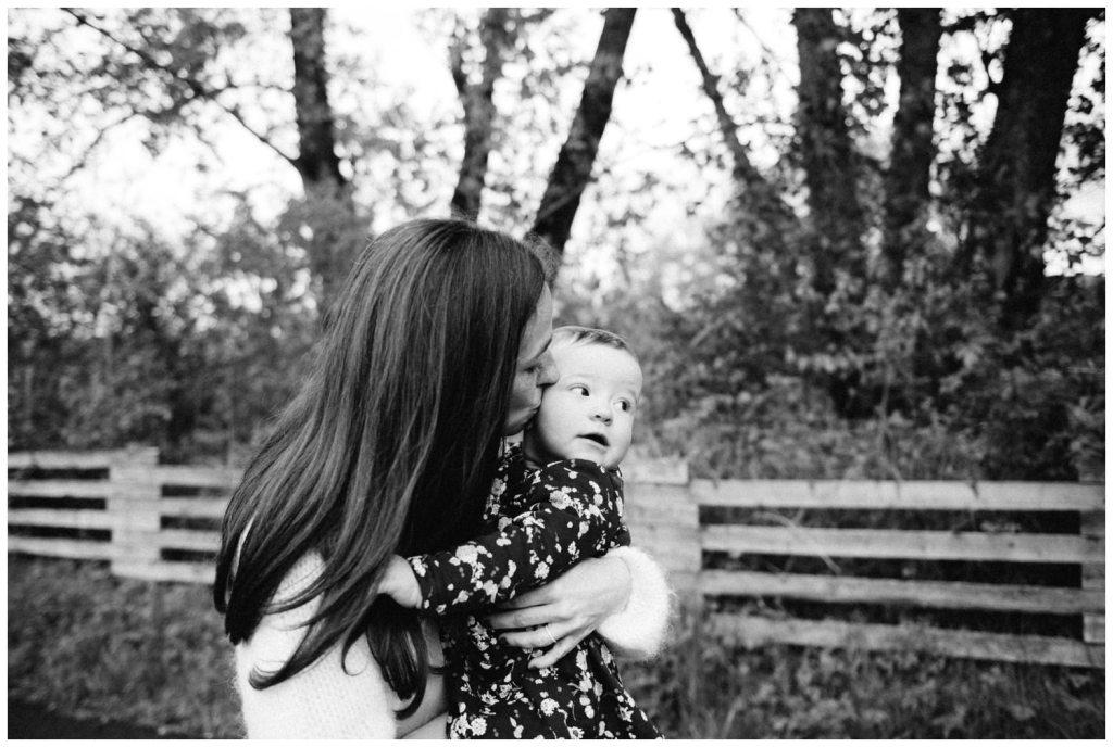 photographe famille grenoble chambery lifestyle little one atelier bebe maternite seance photo lyon - 029