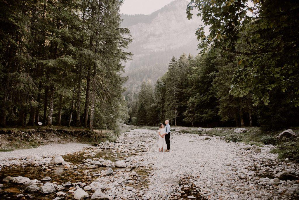 seance photo grossesse grenoble chambery photographe bebe femme enceinte chartreuse montagne folk naturel_0001