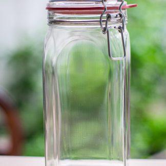 1,5L glass jar.
