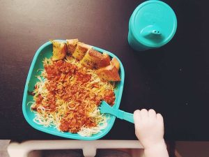 toddler meal ideas-spaghetti for kids-dinner time with children