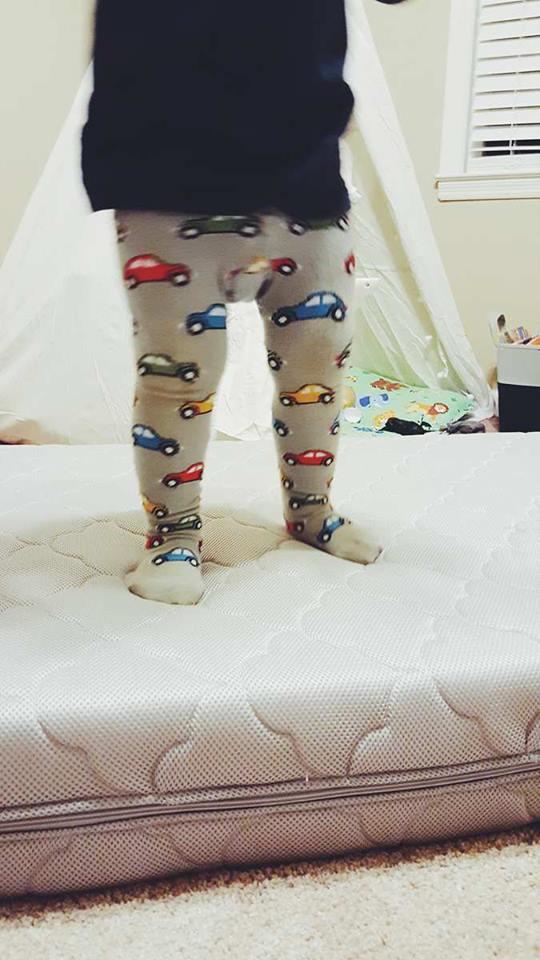 crib mattress-toddler room-sids prevention