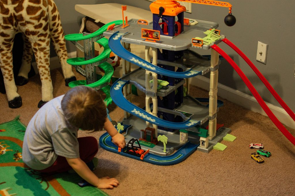 adventure force dino garage-car track-christmas gifts