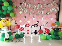 Alice in Wonderland Balloon Backdrop