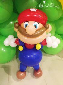 mario-balloon-sculpture