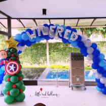 superhero-balloon-arch