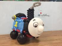 thomas-the-train-balloon-sculpture