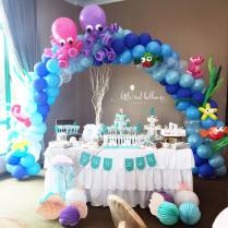 underwater-balloon-arch