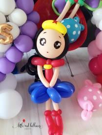 wonder-woman-balloon-sculpture-singapore