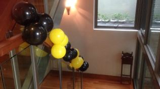 construction-themed-balloon-clusters