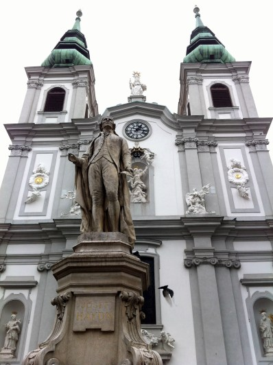 Monument/Statue of Haydn in front of a church.