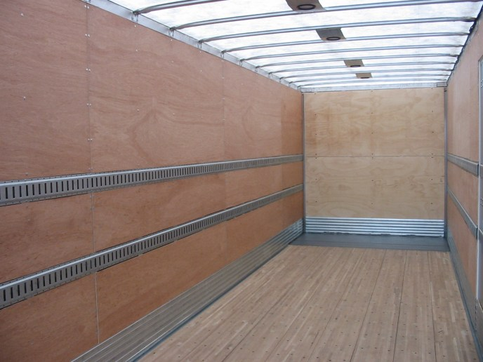 US Trailer Rental Sales Lease and Storage Buys Rents and Repairs All Commercial Trailers Reefers Flatbeds and Dry Vans image_20171206_043905