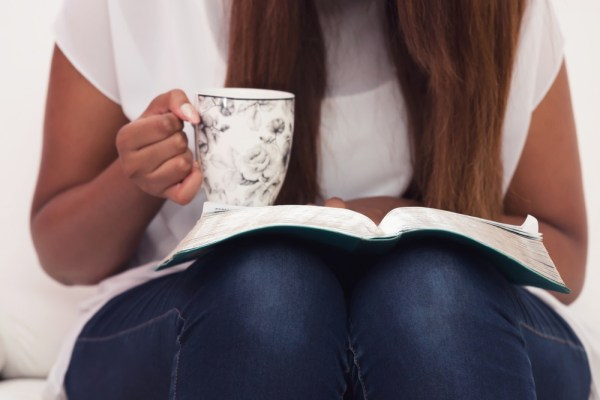 how to read the Bible every day - even as a busy mom!